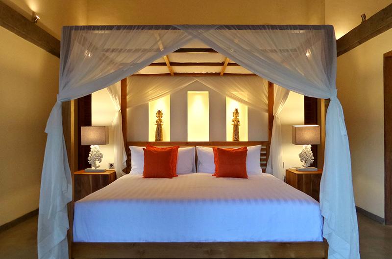 Bedroom with Table Lamps - Umah Jae - Ubud, Bali