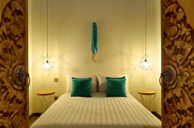 Bedroom with Lamps - Umah Jae - Ubud, Bali