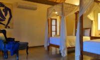 Twin Bedroom with Seating Area - Umah Jae - Ubud, Bali