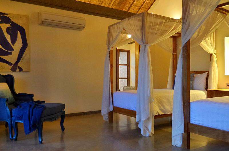 Twin Bedroom with Seating Area - Umah Jae - Ubud, Bali