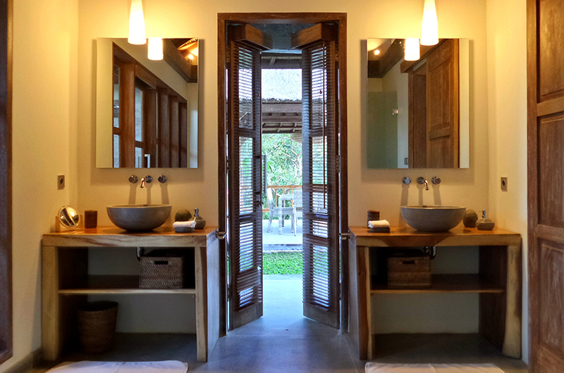 His and Hers Bathroom - Umah Jae - Ubud, Bali