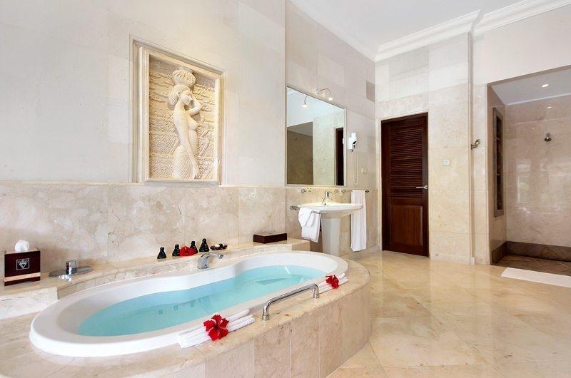 Bathtub - Viceroy Bali - Ubud, Bali