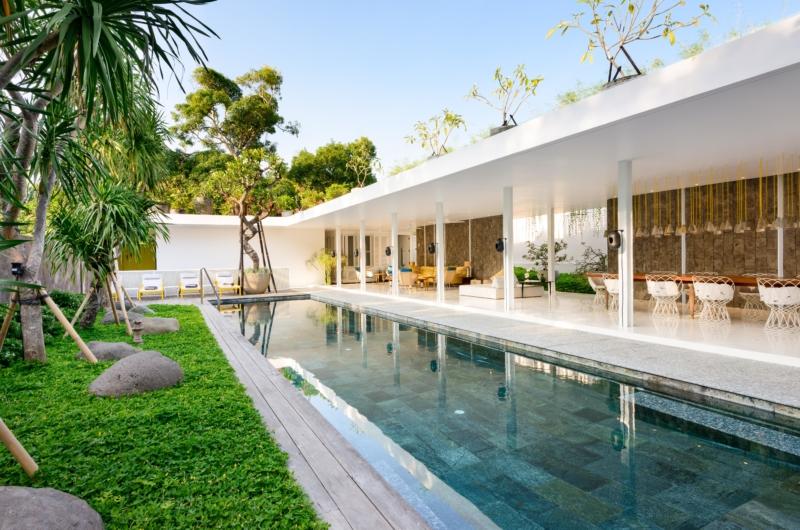 Pool Side - Villa 1880 - Batubelig, Bali