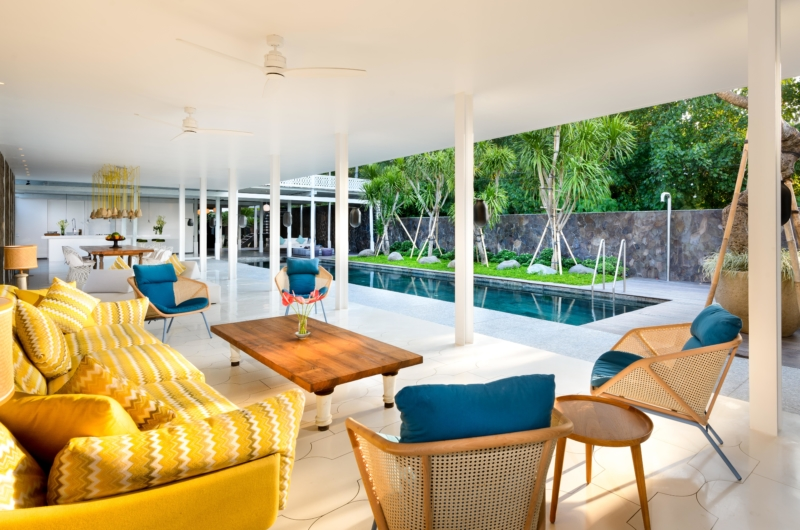 Living Area with Pool View - Villa 1880 - Batubelig, Bali