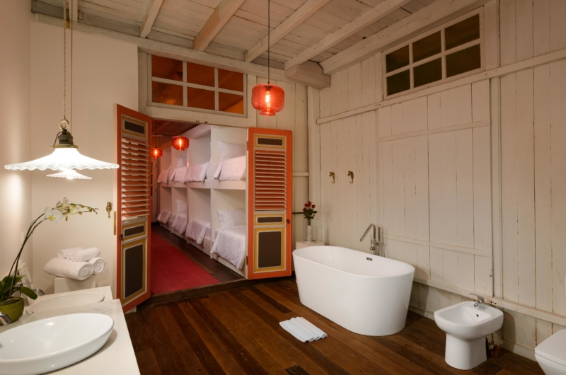 Bunk Beds and Bathroom - Villa 1880 - Batubelig, Bali