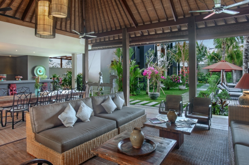 Living and Dining Area with Garden View - Villa Abakoi - Seminyak, Bali