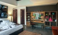 Bedroom with Dressing Area - Villa Abakoi - Seminyak, Bali