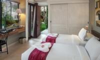 Twin Bedroom with TV - Villa Abakoi - Seminyak, Bali