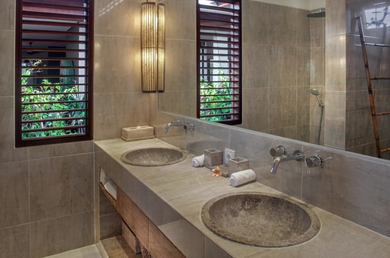 His and Hers Bathroom - Villa Abakoi - Seminyak, Bali