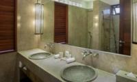 En-Suite His and Hers Bathroom with Mirror - Villa Abakoi - Seminyak, Bali