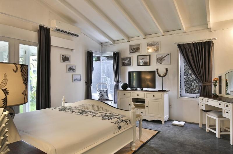 Bedroom with TV - Villa Abida - Seminyak, Bali