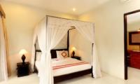 Four Poster Bed - Villa Abimanyu II - Seminyak, Bali