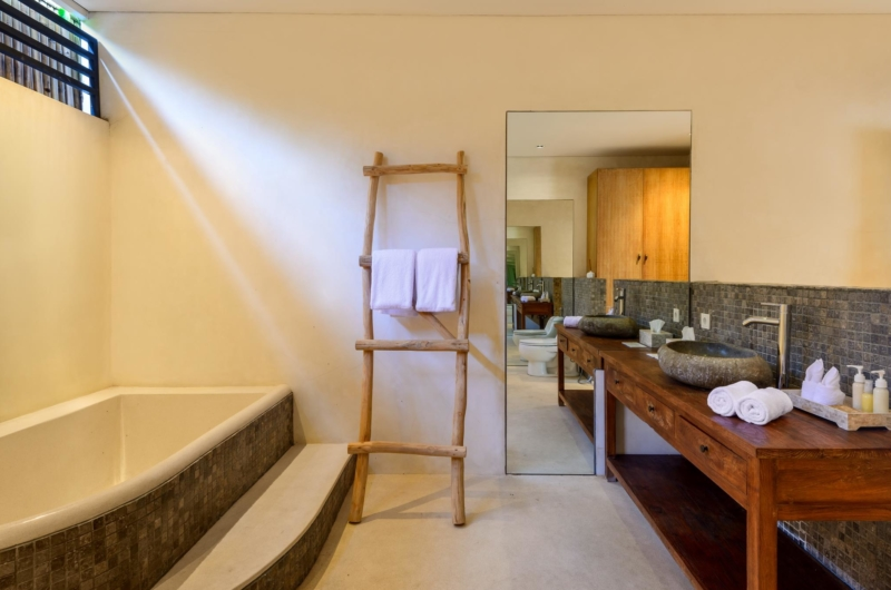 Bathroom with Bathtub - Villa Ace - Seminyak, Bali
