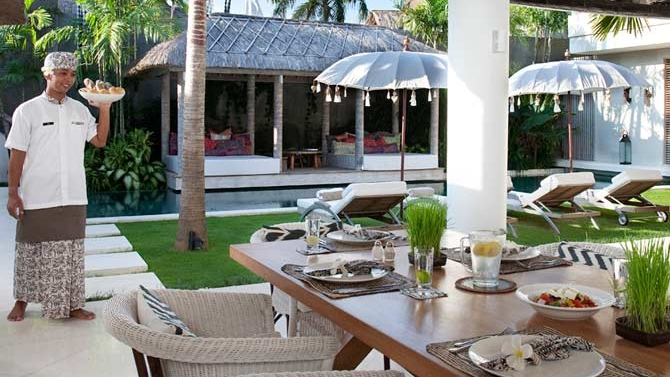 Outdoor Dining with Pool View - Villa Adasa - Seminyak, Bali