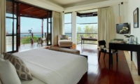 Bedroom with Wooden Floor - Villa Adenium - Jimbaran, Bali