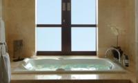 Bathtub - Villa Adenium - Jimbaran, Bali