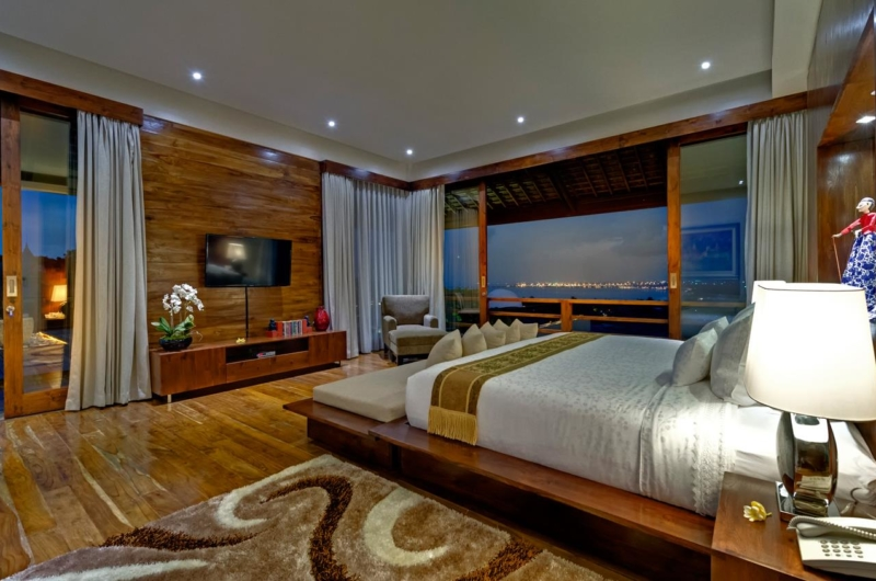 Bedroom with TV - Villa Aiko - Jimbaran, Bali