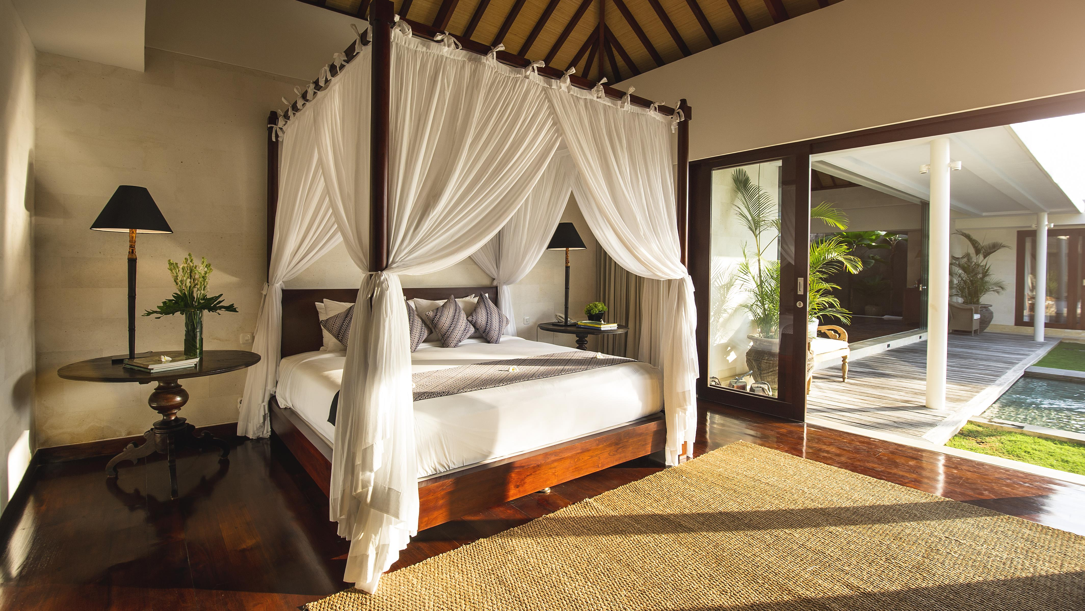 Bedroom with Pool View - Villa Alabali - Seminyak, Bali