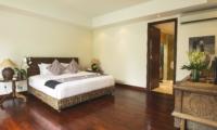 Bedroom with Wooden Floor - Villa Alabali - Seminyak, Bali