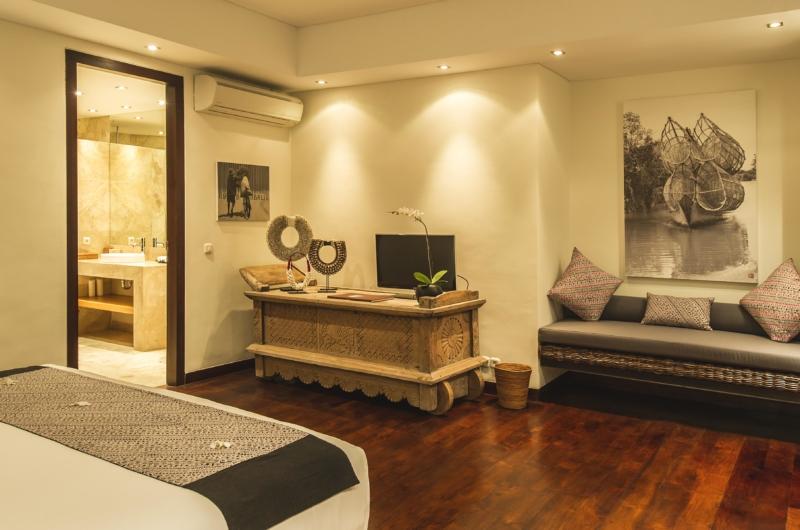 Bedroom with Sofa - Villa Alabali - Seminyak, Bali
