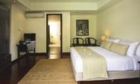 King Size Bed - Villa Alabali - Seminyak, Bali
