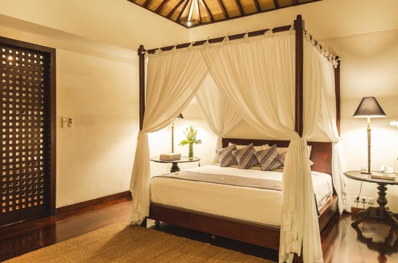 Bedroom with Table Lamps - Villa Alabali - Seminyak, Bali