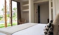 Bedroom with Mirror - Villa Alea - Kerobokan, Bali