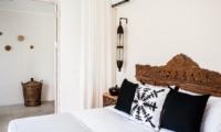 Bedroom with King Size Bed - Villa Alea - Kerobokan, Bali