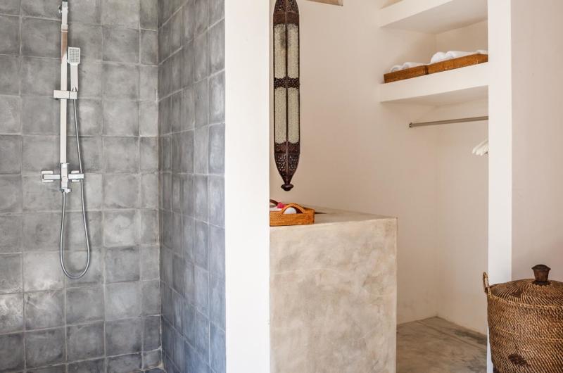 Bathroom with Shower - Villa Alea - Kerobokan, Bali