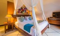 Bedroom with TV - Villa Alore - Seminyak, Bali