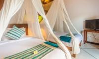 Twin Bedroom with TV - Villa Alore - Seminyak, Bali