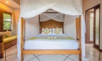 Four Poster Bed - Villa Alore - Seminyak, Bali