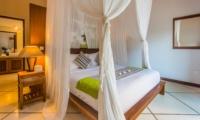 Bedroom and Bathroom - Villa Alore - Seminyak, Bali