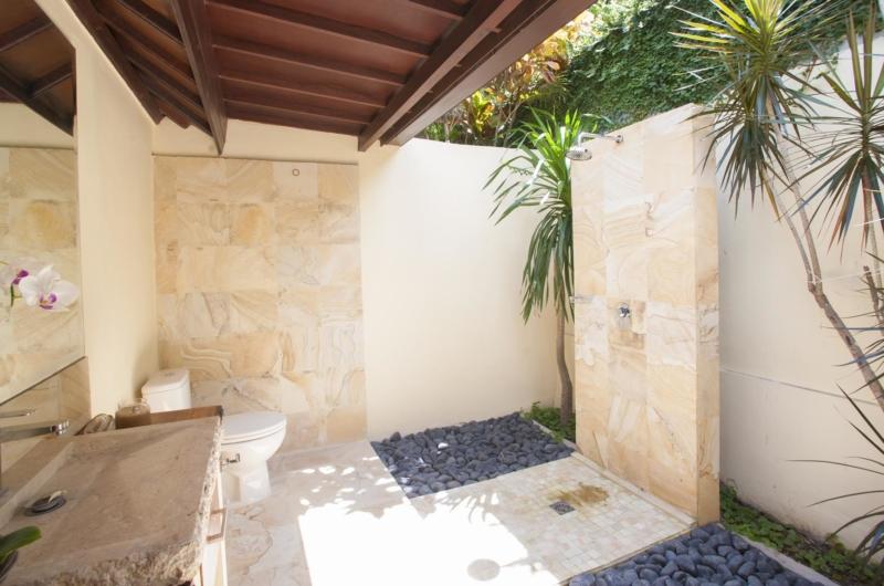 Semi Open Bathroom - Villa Amaya - Seminyak, Bali