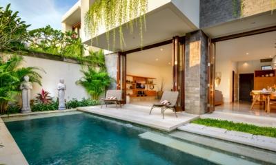 Swimming Pool - Villa Amelia - Legian, Bali