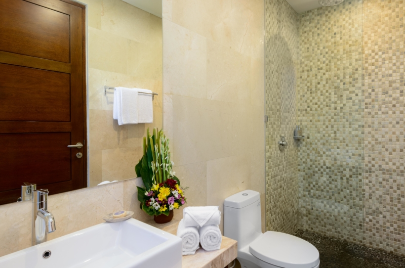 Bathroom with Shower - Villa Amelia - Legian, Bali