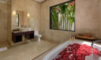 En-Suite Bathroom with Bathtub and Rose Petals - Villa Amman Residence - Seminyak, Bali