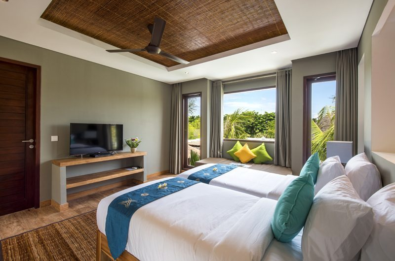 Twin Bedroom with Sofa - Villa Anam - Seminyak, Bali