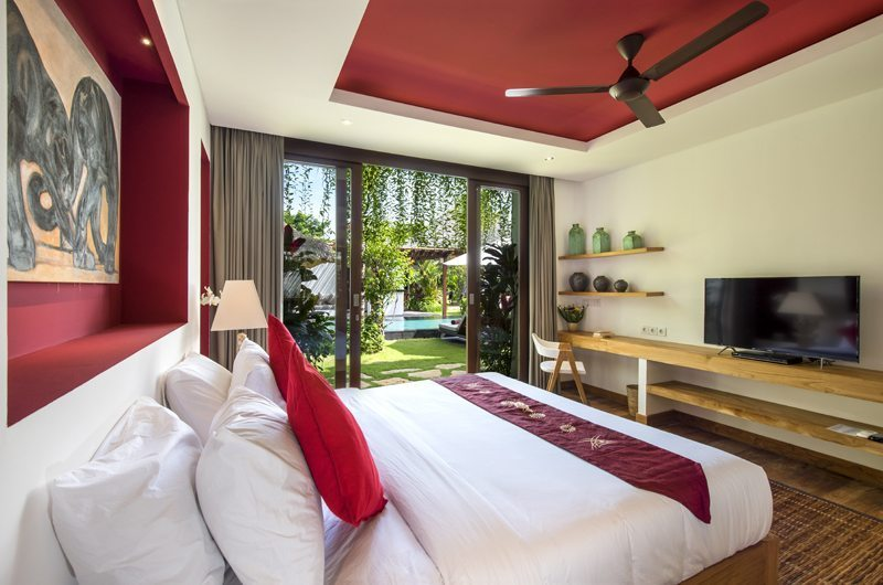 Bedroom with Garden View and TV - Villa Anam - Seminyak, Bali