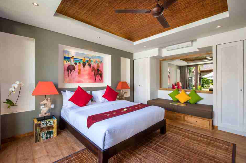 Bedroom with Seating Area and Mirror - Villa Anam - Seminyak, Bali