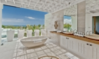 En-Suite Bathroom with Bathtub - Villa Anucara - Seseh, Bali