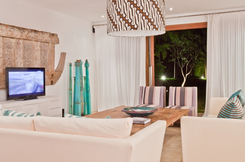 Living Area with TV - Villa Anucara - Seseh, Bali