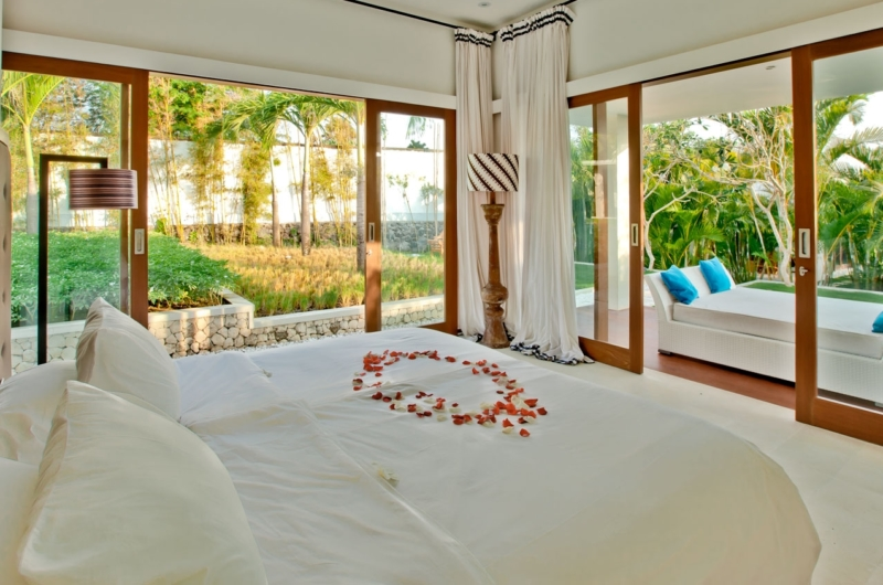 Bedroom and Balcony - Villa Anucara - Seseh, Bali