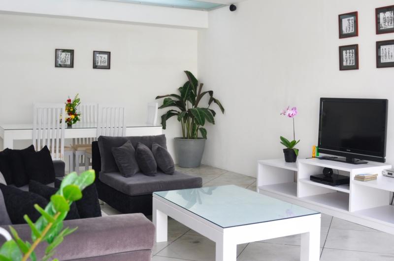 Lounge Area with TV - Villa Arta - Seminyak, Bali