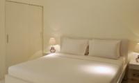 Bedroom with Table Lamps - Villa Arta - Seminyak, Bali
