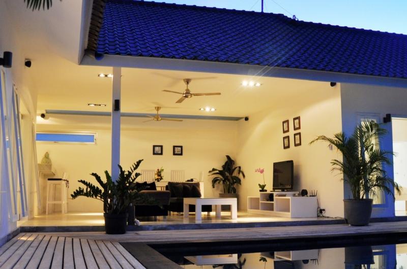 Pool Side - Villa Arta - Seminyak, Bali