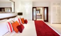 Bedroom and En-Suite Bathroom - Villa Asante - Canggu, Bali