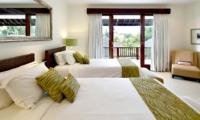 Twin Bedroom with Balcony - Villa Asante - Canggu, Bali