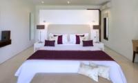 Bedroom with Table Lamps - Villa Asante - Canggu, Bali