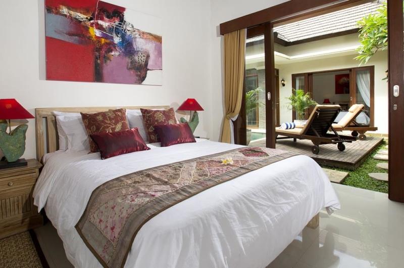 Bedroom with Garden View - Villa Ashna - Seminyak, Bali